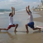 surfing-and-tai-chi-04-dropkneestrectch